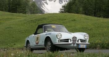 L'Alfa Romeo del vincitore sui passi Alpini