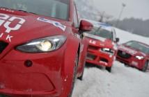 Le Mazda France incolonnate alla partenza