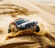 Il vincitore 2014 Nani Roma guida l'assalto Mini alla Dakar
