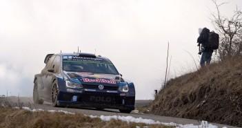 Sebastien Ogier e la Polo R WRC ancora primi a Montecarlo