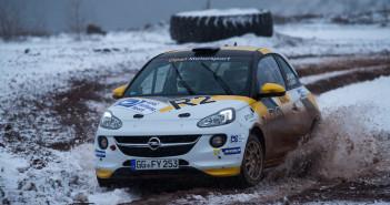 La Opel Adam R2 da 190 CV ancora protagonista nell'Europeo.
