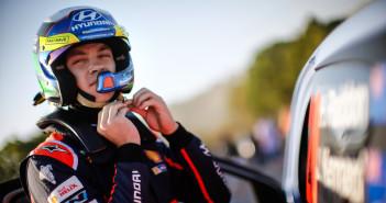 Hayden Paddon firma il rinnovo con Hyundai. Sarà nel Mondiale fino al 2018.