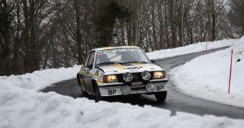 L'Opel Ascona del vincitore sulle strade del sud della Francia.