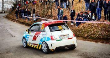 La Fiat 500 di Coti Zelati sulle strade Garfagnine (foto Lavagnini).