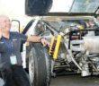 Giuseppe Volta vicino alla Lancia rally 037 a cui resterà indissolubilmente legato