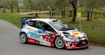 Stefano Albertini mette subito alla frusta la sua Fiesta WRC.