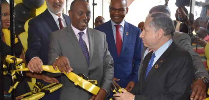 Il presidente Todt all'inaugurazione del quartiere generale Safari