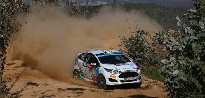 La Fiesta R2 di Bottarelli sulle devastate stage Portoghesi.