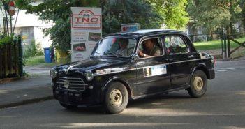 La vettura del vincitore Bonfante in azione.