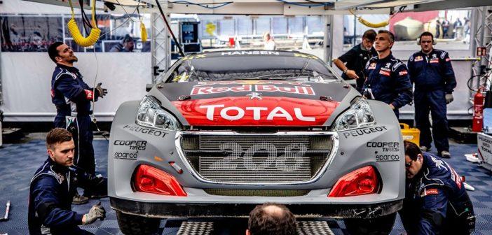 Sulle Peugeot 208 Supercar si lavora full time per il debutto delle evoluzioni.