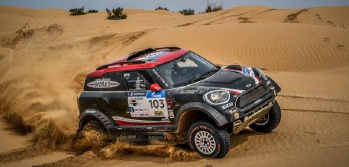 La Mini di Al Rajhi in azione nei deserti del Silk Way.