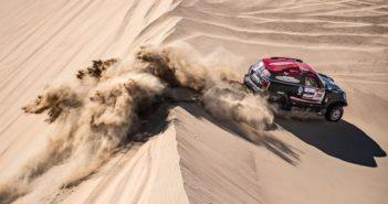 La Mini di Terranova sulle dune del Perù