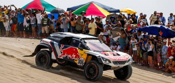 Loeb in azione nella passata edizione con la 3008 Maxi