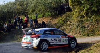 Luca Rossetti porta la Hyundai Friulmotor davanti a tutti.
