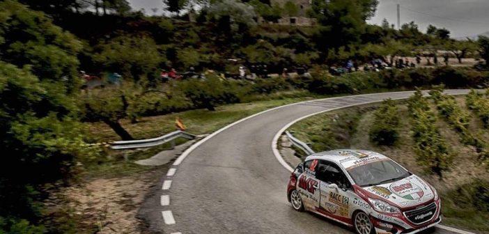 La Peugeot 208 del Brazz taglia la pioggia Catalana.