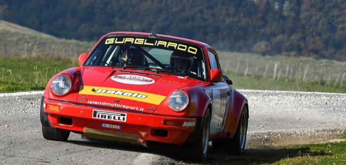 La Porsche 911 di Guagliardo vola sulle strade del Due Valli.