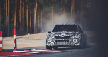 La Fabia supercar in test sulla pista di Riga.