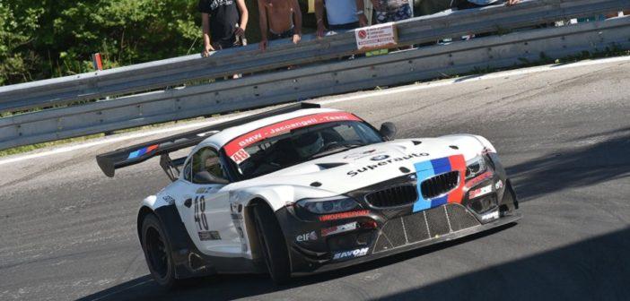 Jacoangeli con la sua fiammante BMW una delle stars tra le GT