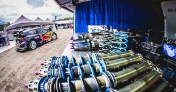 Gli ammortizzatori delle Fiesta in bella mostra al rally Deutschland.