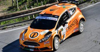Simone Campedelli manda subito a scratch la sua Ford Fiesta R5