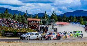 La Fiesta di Eriksson al comando del gruppone.