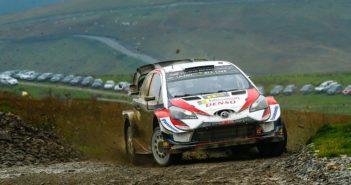 Tanak e la Toyota volano sulle colline Gallesi