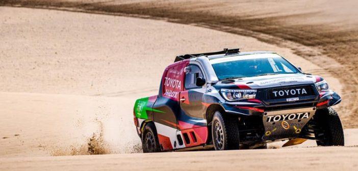 La Toyota di Al Rajhi sulle dune di casa.