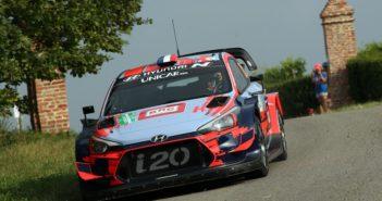 La Hyundai i20 Coupe WRC + di Loeb al rally di Alba.