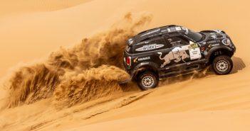 La Mini di Peterhansel nell'Abu Dhabi Desert 2019.