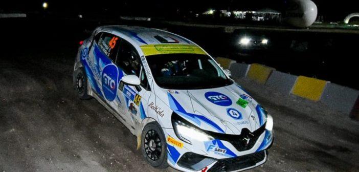 La Clio RSR Rally5 di Uriostegui sulla speciale spettacolo del circuito di Leon.