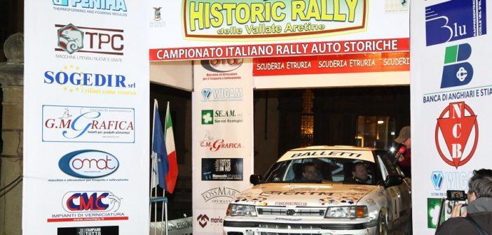 Toto Riolo vincitore dell'edizione passata sulla pedana di partenza.