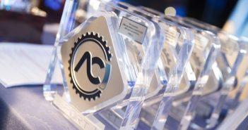 Il logo ACI Sport sulle targhe delle premiazioni di fine anno.