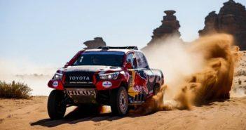 Nasser Al Attiyah grande protagonista delle ultime edizioni con il suo Toyota Hilux.
