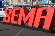 Il maxi logo presente all'ingresso del salone di Las Vegas.