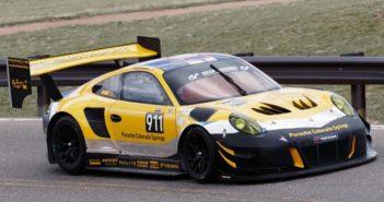 La Porsche di David Donner protagonista nelle prove libere della Pikes Peak