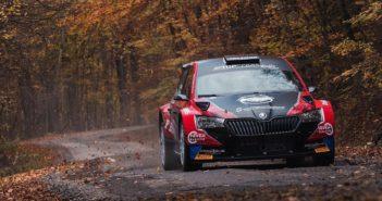 Il Norvegese Mikkelsen in test sulla Skoda Fabia Rally2.